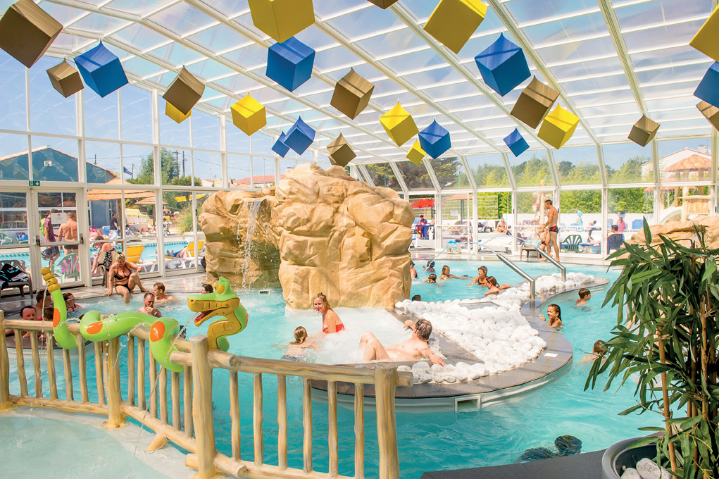 Camping Vende Avec Piscine Couverte  Camping Les Pirons  toiles